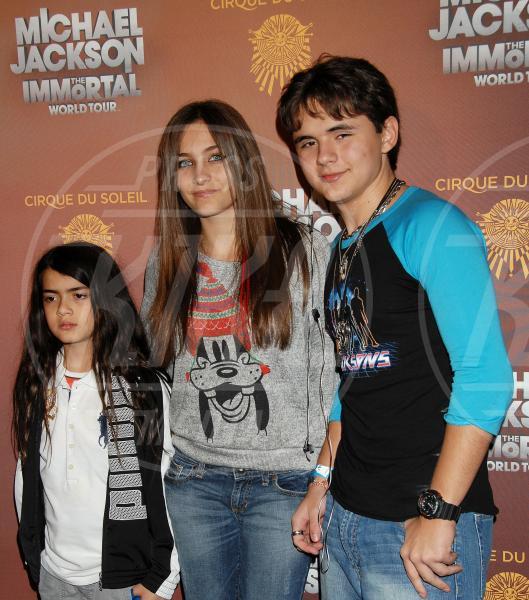 Prince Michael Jackson II, Prince Michael Jackson, Paris Jackson - Los Angeles - 27-01-2012 - Il mondo è bello vicino a mio fratello