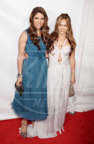 Leslie Lopez, Jennifer Lopez - New York - 15-06-2010 - Il mondo è bello vicino a mio fratello