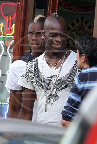 Enock Barwuah Balotelli, Mario Balotelli - CRACOVIA - 27-06-2012 - Il mondo è bello vicino a mio fratello