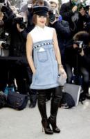 Miroslava Duma - Parigi - 05-03-2013 - Bando alla formalità: a tutto jeans sul red carpet