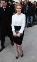 Jessica Chastain - Parigi - 05-04-2013 - Camicia bianca e gonna nera: un look… evergreen!