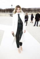 Cecile Cassel - Parigi - 06-03-2013 - Primavera 2015: con il soprabito, le celebs vanno… in bianco!