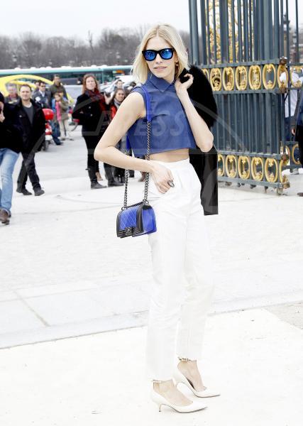 Elena Perminova - Parigi - 06-03-2013 - Il must dell'estate? I pantaloni bianchi