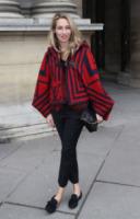 Alexandra Golovanoff - Parigi - 06-04-2013 - La mantella, intramontabile classico senza tempo