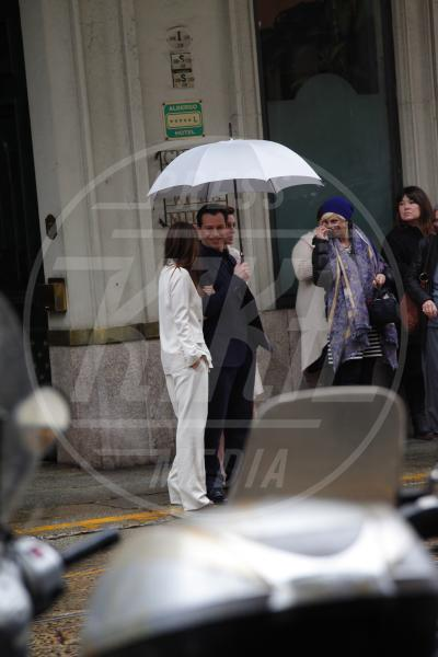 Stefano Accorsi - Milano - 06-03-2013 - La primavera non arriva. E tu, di che ombrello sei?