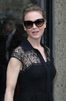 Renee Zellweger - Parigi - 06-04-2013 - Il fidanzatino del liceo difende Reneé Zellweger