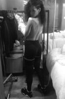Rihanna - 07-03-2013 - Il lato b è ormai il padrone dei profili social delle star