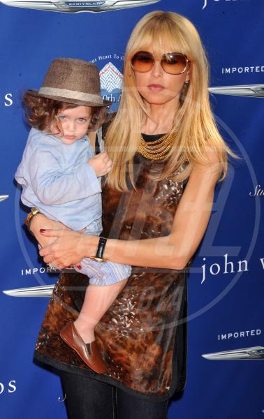 Rachel Zoe - Los Angeles - 10-03-2013 - Amore, ma quando scendi dalle braccia di mamma?