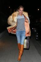 Kate Moss - Londra - 11-03-2013 - Kate Moss, non è tutto nero quel che indossa…
