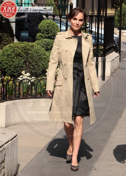 Natalie Portman - Parigi - 03-04-2012 - Casual addio: oggi lo street-style diventa bon ton!