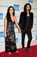 Katy Perry, Russell Brand - Los Angeles - 15-03-2013 - Casa di Katy Perry vendesi a 6 milioni di dollari