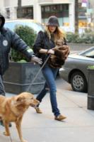 Blake Lively - New York - 13-12-2011 - Sienna e le altre: comode e selvagge con le flat animalier