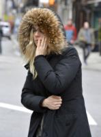 Sienna Miller - New York - 18-03-2013 - Star come noi: Sienna Miller cerca un taxi a New York