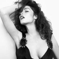 Raffaella Fico - Milano - 19-03-2013 - Dillo con un tweet: esordio hot su Instagram per Raffaella Fico