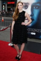 Sophie Turner - Los Angeles - 18-03-2013 - Un classico intramontabile: il little black dress