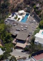 Casa Ryan Phillippe - Los Angeles - 09-07-2008 - Ryan Philippe vende, smenandoci, la casa di L.A.