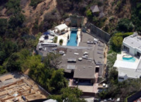 Casa Ryan Phillippe - Los Angeles - 09-07-2008 - Ryan Philippe vende, smenandoci, la casa di L.A.