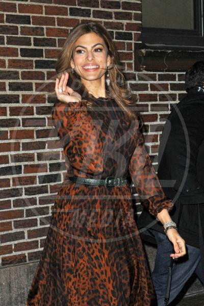 Eva Mendes - New York - 19-03-2013 - Eva Mendes e il maculato: un abbinamento perfetto