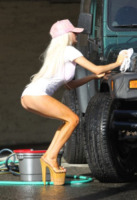 Courtney Stodden - Los Angeles - 15-03-2013 - Chi non vorrebbe farsi lavare l'auto da Courtney Stodden?