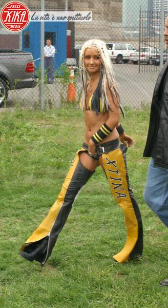 Christina Aguilera - New York - 07-10-2002 - Chi lo indossa meglio? Kylie Jenner e Christina Aguilera