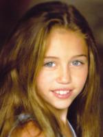 """Miley Cyrus - Los Angeles - 15-12-2012 - Miley Cyrus: """"All'alcol preferisco la marijuana"""""""