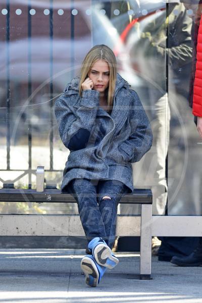 Cara Delevingne - New York - 20-03-2013 - Star come noi: Edoardo Bennato nella metro napoletana