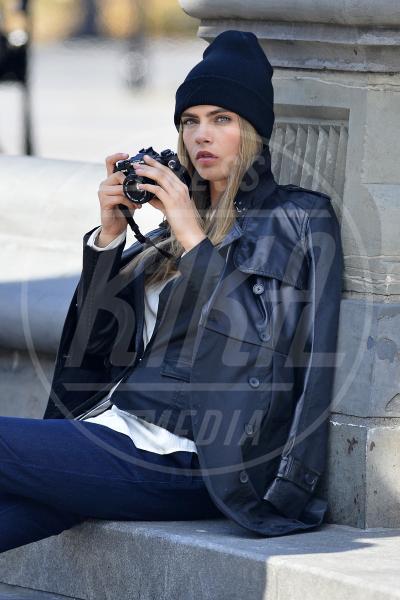 Cara Delevingne - New York - 20-03-2013 - Chi di macchina fotografica ferisce…
