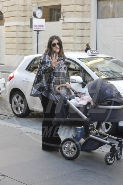 Paola Carta, Laura Pausini - Roma - 21-03-2013 - A tre ruote, colorato o tutto blu: a ognuno il suo passeggino