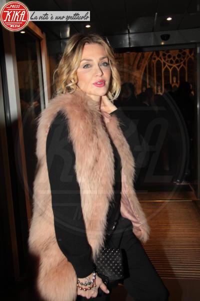 Paola Barale - Milano - 21-03-2013 - Inverno grigio? Rendilo romantico vestendoti di rosa!