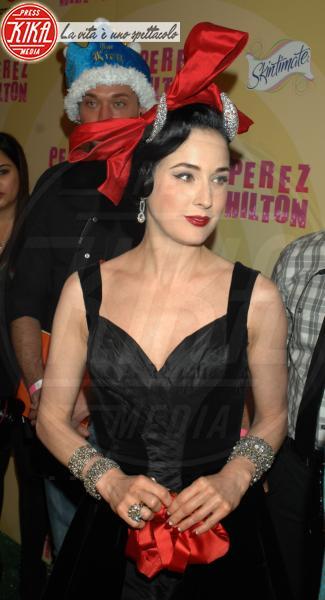 Dita Von Teese - Hollywood - 24-03-2012 - Oggi ho in testa… solo l'uovo di Pasqua!