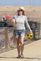 Naomi Watts - Los Angeles - 23-03-2013 - Naomi Watts: quant'è bello andare al mare con la famiglia
