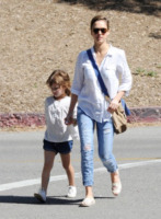 Honor Warren, Jessica Alba - Los Angeles - 24-03-2013 - Le celebrity nate con la camicia… bianca!