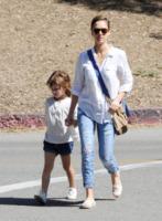 Honor Warren, Jessica Alba - Los Angeles - 24-03-2013 - Le celebrity nate con la camicia… bianca!