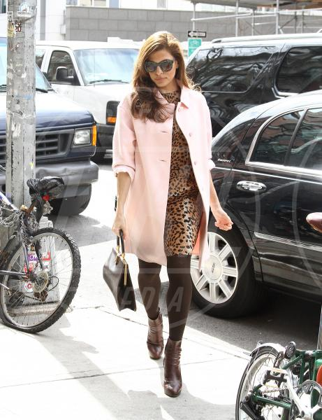 Eva Mendes - New York - 27-03-2013 - Eva Mendes e il maculato: un abbinamento perfetto