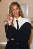Leona Lewis - Londra - 27-03-2013 - Donne con le gonne? No: con la cravatta!