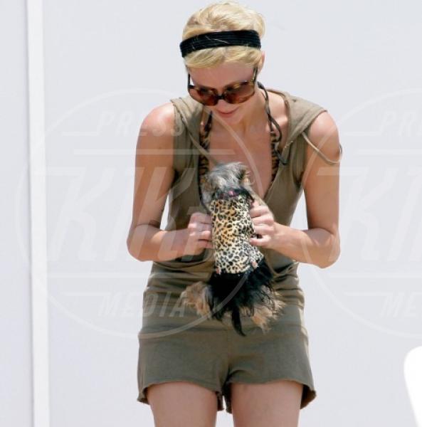 Paris Hilton - Malibu - 18-07-2007 - Moda animalier: questa estate è uno zoo