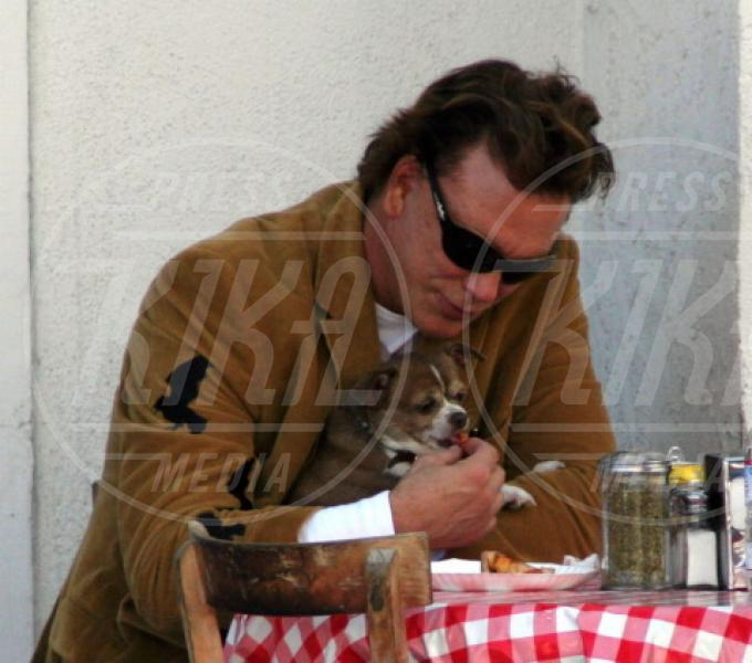 Mickey Rourke - Los Angeles - 07-05-2005 - Il cagnetto, dove lo metto? Fai come le celebs!
