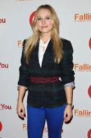 Kristen Bell - Beverly Hills - 13-01-2013 - Kristen Bell chiede a Dax Shepard di sposarla su Twitter