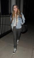 Cara Delevingne - Londra - 18-02-2013 - Un classico che ritorna: il giubbotto di jeans