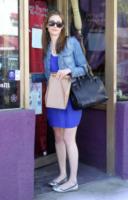Emmy Rossum - Hollywood - 03-04-2012 - Un classico che ritorna: il giubbotto di jeans