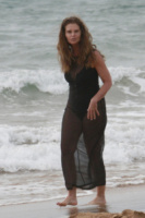 Maria Shriver - Los Angeles - 29-03-2013 - Shorts, maxidress o pareo: e tu cosa indossi in spiaggia?