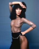 Cher - Vestiti scomodi e dove trovarli: seguite Kim Kardashian!