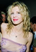Courtney Love - Riduzione del seno: Marika Fruscio dice addio alla sesta