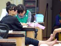 Kim Kardashian - Los Angeles - 03-04-2013 - Estate 2013: piedi perfetti pronti per le infradito
