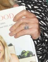 Gwyneth Paltrow - Los Angeles - 03-04-2013 - Emily Ratajkowski mostra l'enorme anello di fidanzamento