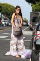 Alessandra Ambrosio - Los Angeles - 04-04-2013 - Maxi dress: tutta la comodità  dell'estate