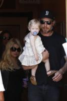 Eric Johnson, Maxwell, Jessica Simpson - Los Angeles - 06-04-2013 - Fiocco azzurro per Jessica Simpson, è nato Ace Knute