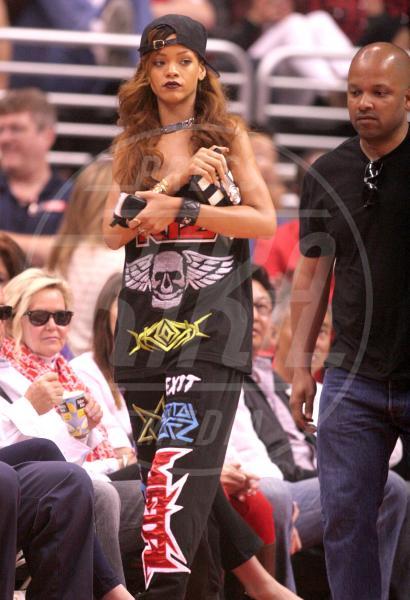 Rihanna - Los Angeles - 07-04-2013 - Il rossetto dell'autunno? E' rosso Burgundy