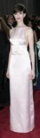 Anne Hathaway - Los Angeles - 24-02-2013 - Vade Retro Abito!: Anne Hathaway in Prada agli Oscar 2013