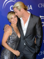 Chris Hemsworth, Elsa Pataky - New York - 08-04-2013 - Chris Hemsworth ed Elsa Pataky vendono casa